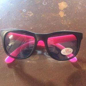 Vineyard Vines sunglasses